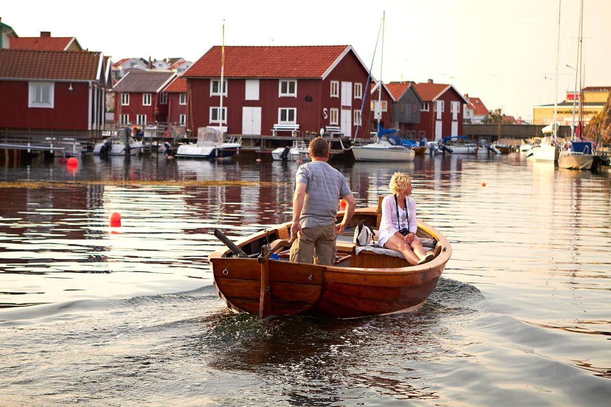Couple boating in Smogen, Sweden