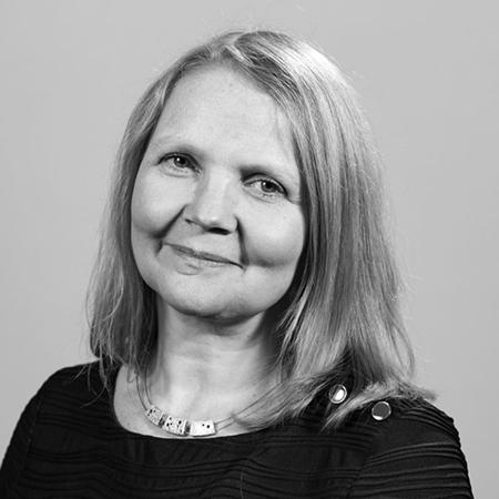 Debbie Hindle<br/>Chief executive, travel